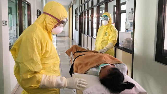 Simulasi penanganan pasien corona