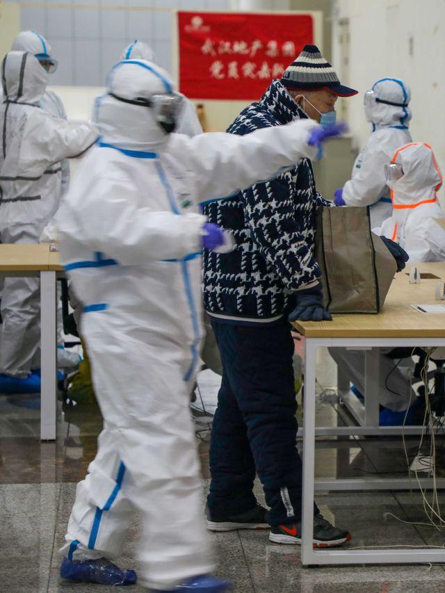 PTR- Tim medis Wuhan China virus corona pakaian hazmat