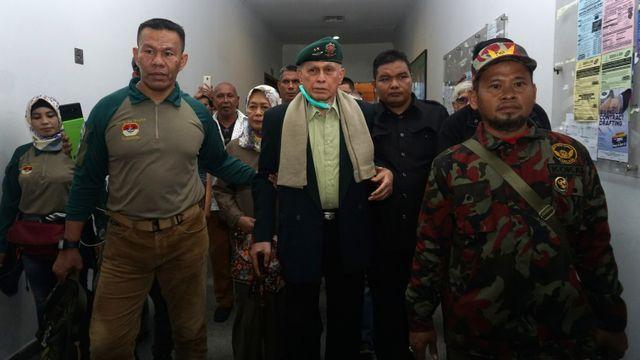 Foto: Tak Jadi Sidang, Kivlan Zen Tinggalkan PN Jakpus (317611)