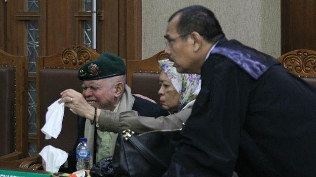 Foto: Tak Jadi Sidang, Kivlan Zen Tinggalkan PN Jakpus (317612)