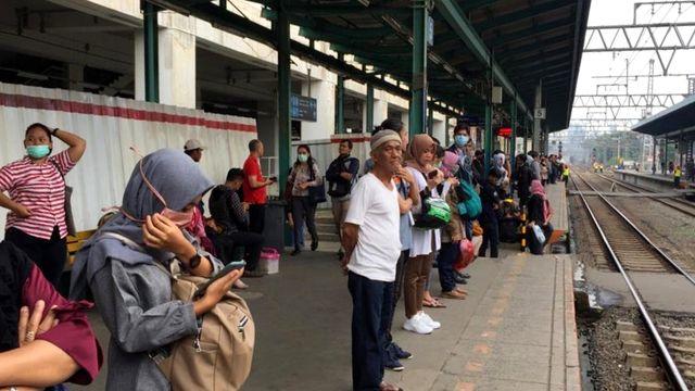 Suasana Stasiun Manggarai