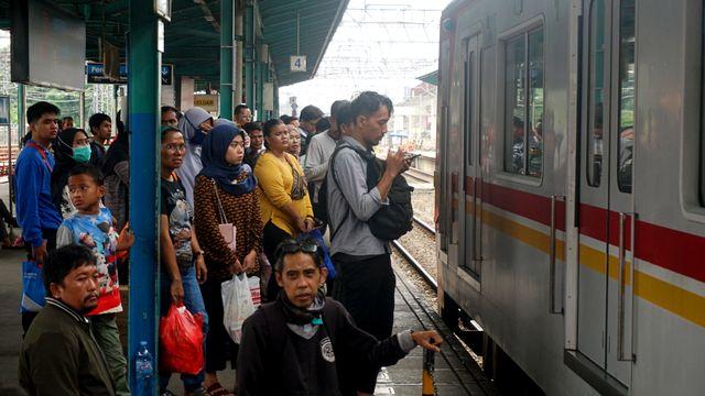 Perubahan Rute KRL di Stasiun Manggarai