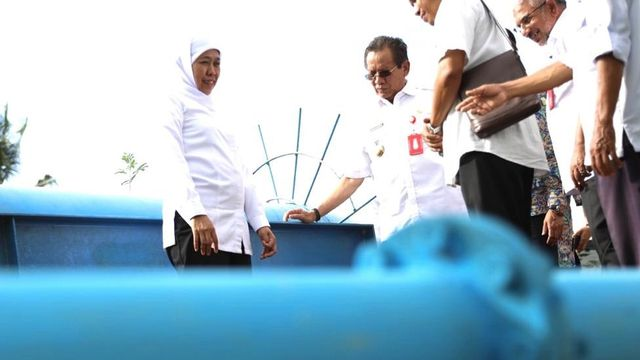 Khofifah Tinjau Bantuan Pipa Air dari Pemprov Jawa Timur di Sigi, Sulteng  (243784)