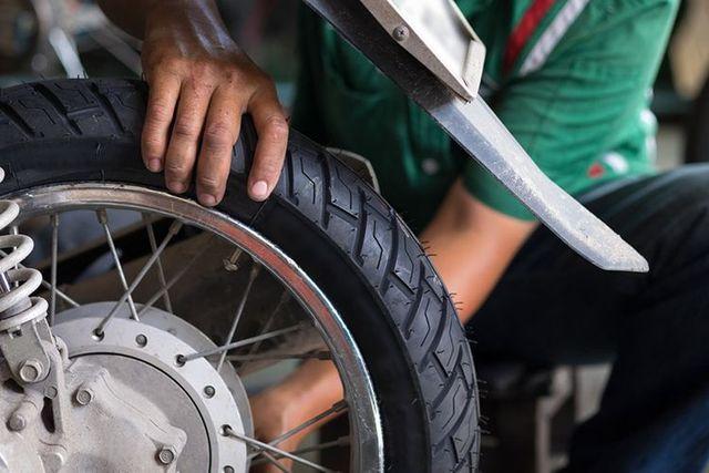 3 Tips Ampuh Pilih Ban Motor untuk Harian dan Jarak Jauh (6741)