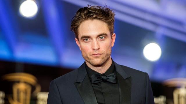 5 Berita Populer: Robert Pattinson Positif COVID-19 hingga Dimas Djay Tunangan (85134)