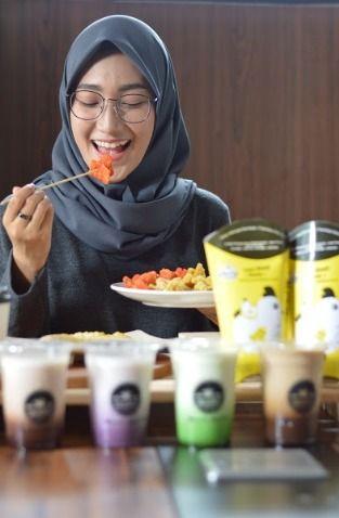Paket Combo Waralaba Makanan dan Minuman Kekinian Uncledazs (63359)