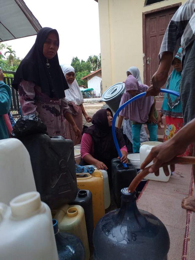 Emak-emak Minta Pemerintah Tegas Selesaikan Krisis Air di Aceh Besar (740641)
