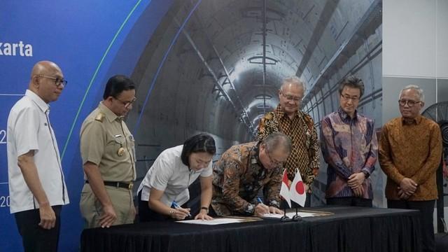Penandatanganan kontrak kerja sama pembangunan MRT