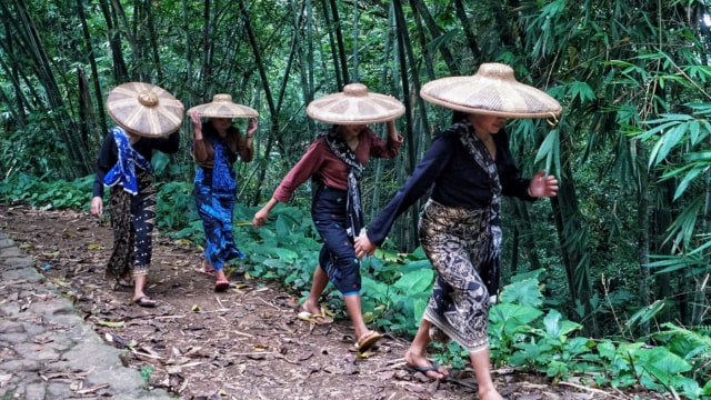 Baduy Boleh Dikunjungi, Tetua Adat Minta Wisatawan Patuhi Protokol Kesehatan (956314)