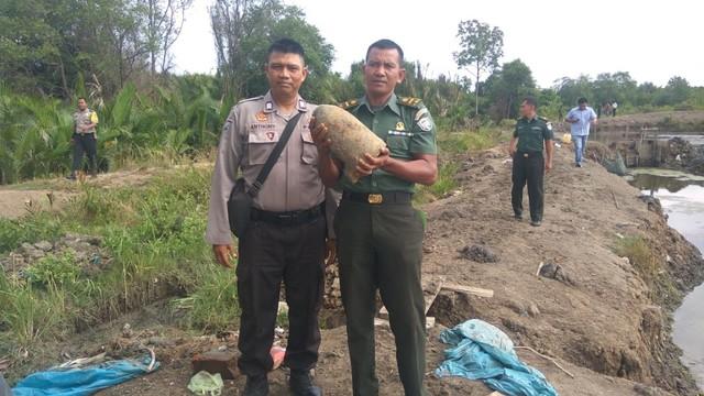 Bom Mortir Sisa Perang Zaman Jepang Ditemukan di Tambak Warga di Banda Aceh (35998)