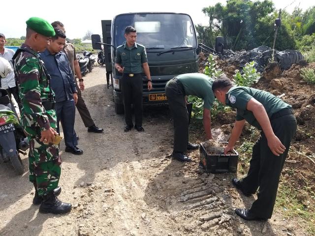 Bom Mortir Sisa Perang Zaman Jepang Ditemukan di Tambak Warga di Banda Aceh (35999)