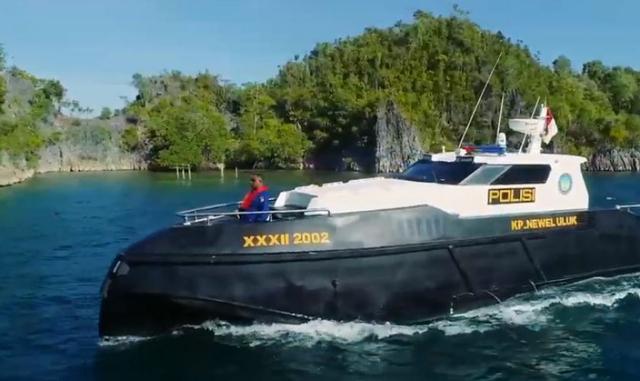 Kapal HDPE PT Iqra, Alternatif Wahana Transportasi Wilayah Terluar Indonesia (1157)