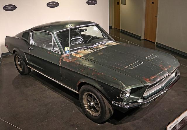 800px-Bullitt_Mustang.jpg