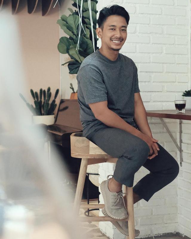 Profil Orang Sukses: Reza Nurhilman, Untung Miliaran dari Bisnis Keripik Maicih (333950)