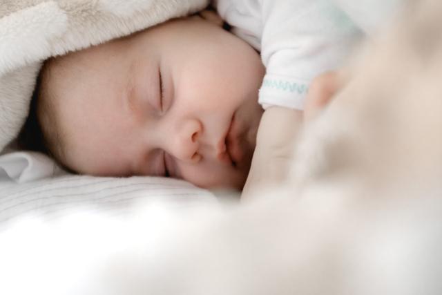Penasaran dengan Arti Mimpi Menggendong Bayi? Cari Maknanya di Sini (507769)