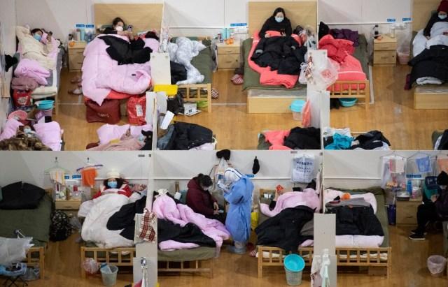 Para penderita virus corona di RS Fangcai di kota Wuhan