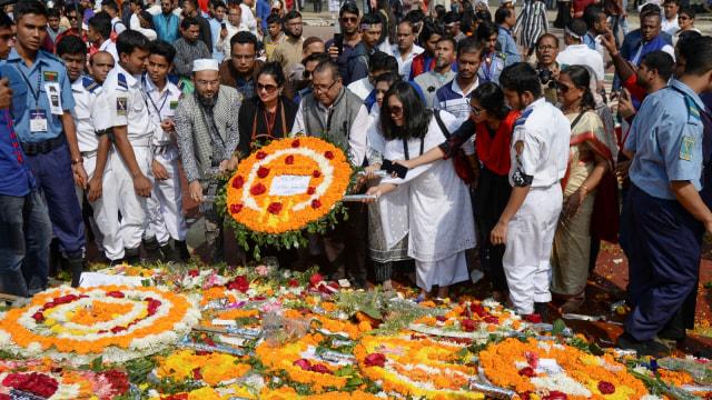 Foto: Indahnya Dekorasi Bunga pada Peringatan Hari Bahasa Ibu di Bangladesh (76309)