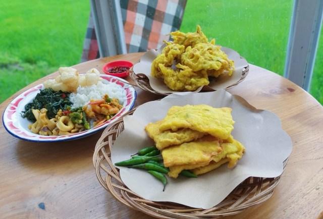 Warung Layar Sentuh: Tempat Nongkrong di Yogya dengan Suasana Pedesaan ala Bali (4144)