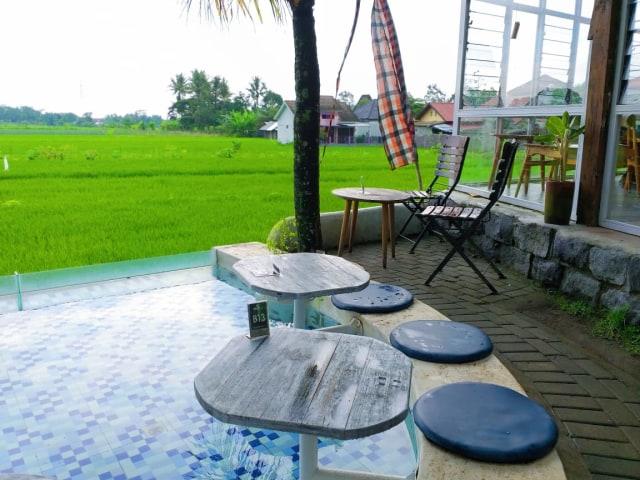 Warung Layar Sentuh: Tempat Nongkrong di Yogya dengan Suasana Pedesaan ala Bali (4145)