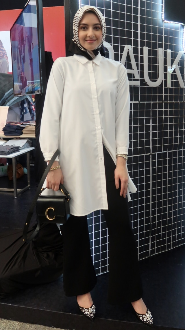Wawancara dengan Hijab Fashion Influencer asal New York di MUFFEST 2020 (360646)