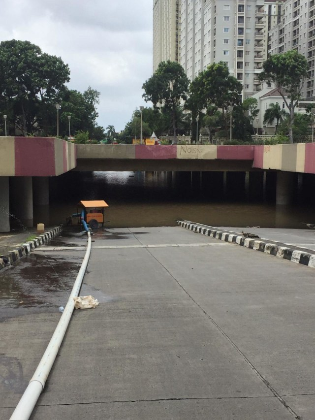 Underpass Kemayoran Banjir Lagi, Ketinggian Air Capai 7 Meter (307075)
