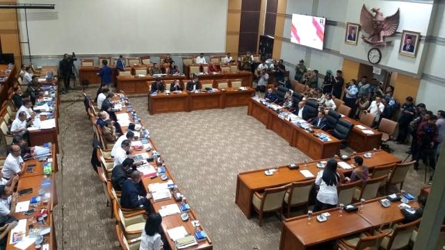 Komisi III DPR Desak Pemerintah Lanjutkan Bahas RKUHP dan RUU Pemasyarakatan (64388)