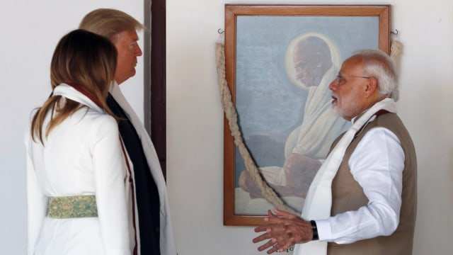 Foto: Trump Disambut Ratusan Ribu Warga saat Melawat ke India (69127)