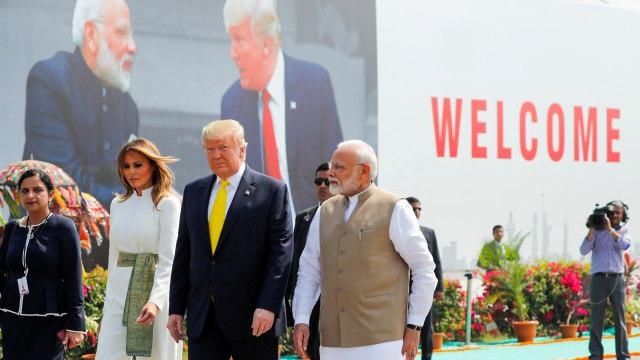 Foto: Trump Disambut Ratusan Ribu Warga saat Melawat ke India (69124)