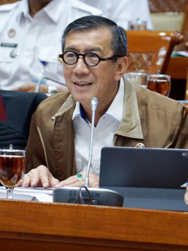 Yasonna Tuai Kritik karena Corona: Bebaskan Koruptor untuk Ubah PP 99/2012 (71823)