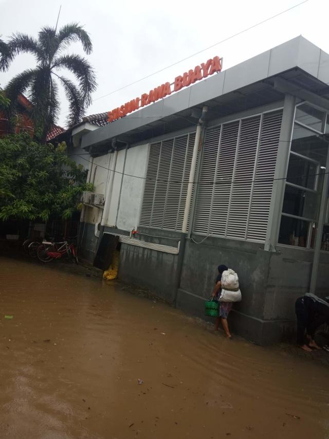 Ketua RT Rawa Buaya: Banjir Surut 24 Jam, Sayangnya Pak Anies Tak Punya Buzzer (45944)