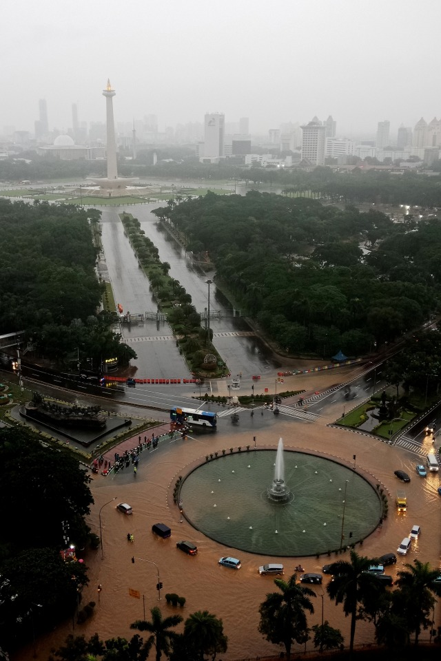 PTR- Banjir Jakarta Bundaran Bank Indonesia