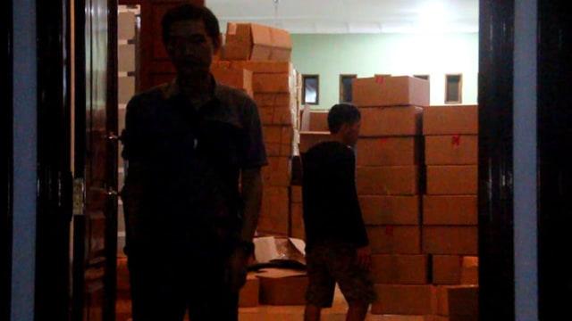 25022020_Pabrik Kosmetik Ilegal Cirebon.jpg