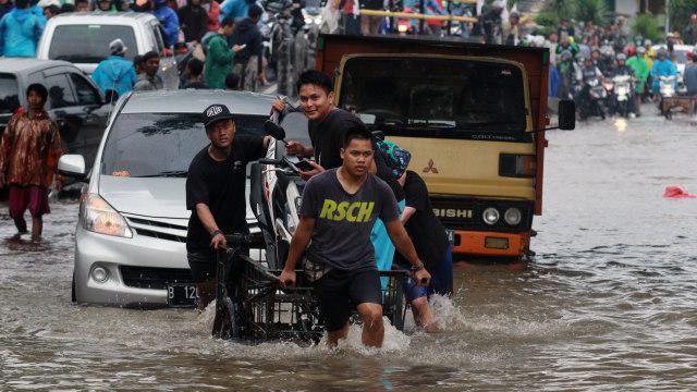 Banjir di Ciledug-Gerobak