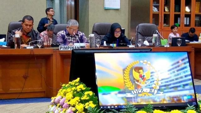 Audiensi Serikat Pekerja Indosat dengan Komisi IX DPR