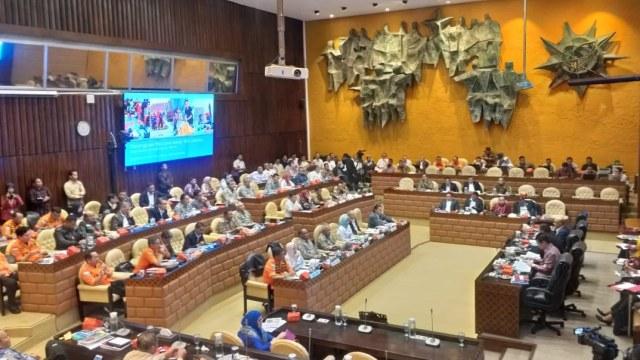 Rapat Komisi V DPR RI dengan PUPR dan Gubernur DKI
