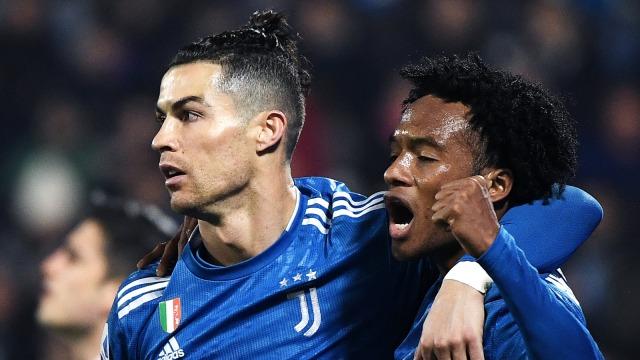 Cristiano Ronaldo Pamer Gaya Rambut Baru, Mirip Cuadrado? (286291)