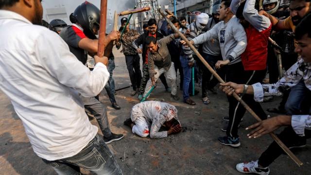FPI-PA 212 Demo di Kedubes India 6 Maret, Protes Kekerasan terhadap Muslim (369112)