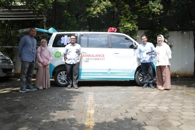 Harlah Perusahaan, Pendiri Paragon Serahkan Unit Ambulans untuk IZI (37104)