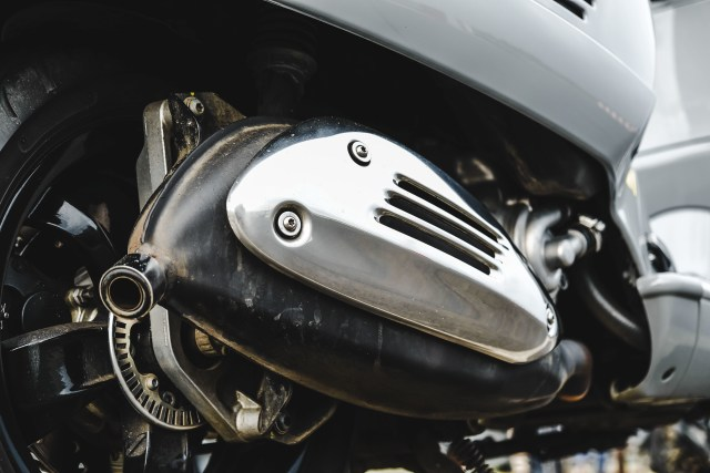 Kenapa Habis Matikan Mesin Motor Ada Suara Tek-tek di Area Knalpot? (44567)