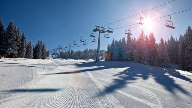 Maskapai Ini Hadirkan Layanan Unik, Bisa Main Ski Gratis di Dua Negara (27996)