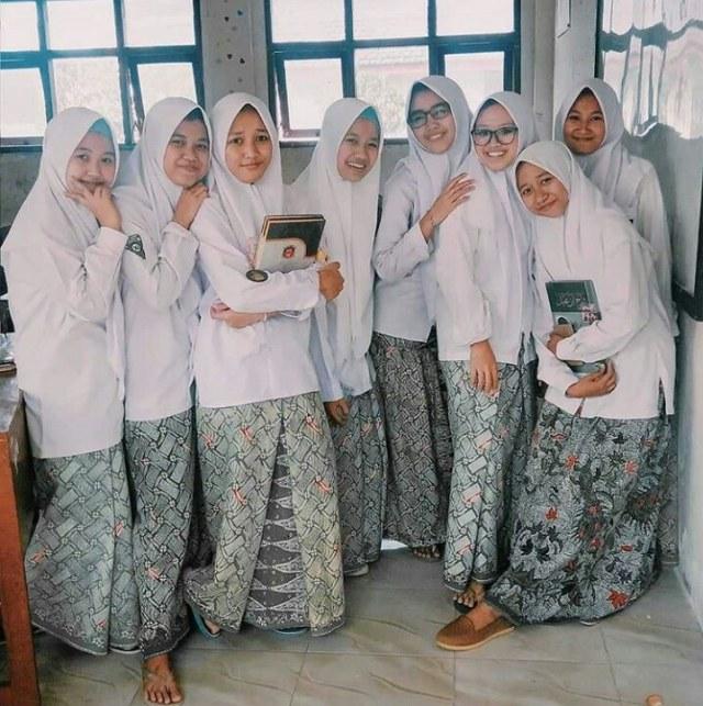 Melihat Berbagai Tampilan Hijab di Dunia Santri (1)