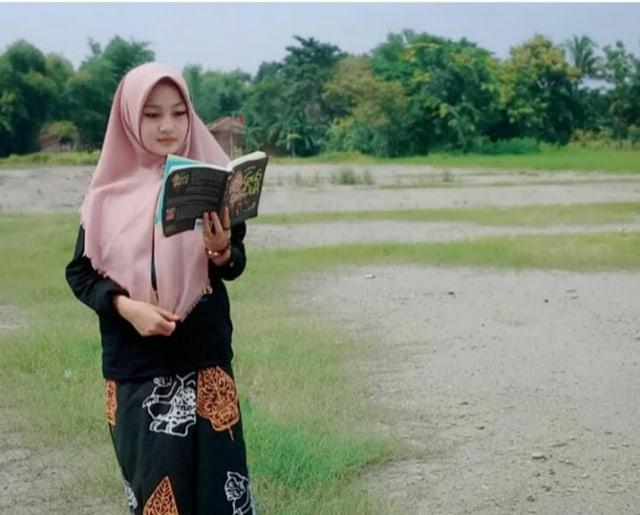 Melihat Berbagai Tampilan Hijab di Dunia Santri (4)