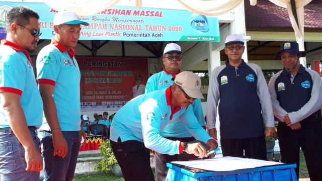 Aceh Targetkan Tahun 2025 Bebas Sampah, Warga Diimbau Kurangi Pemakaian Plastik (112269)