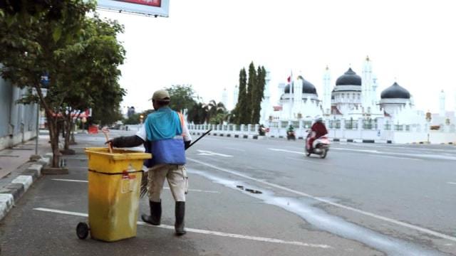 Aceh Targetkan Tahun 2025 Bebas Sampah, Warga Diimbau Kurangi Pemakaian Plastik (112270)