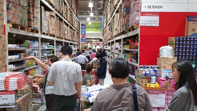 Fakta-fakta Kondisi Supermarket di Jakarta karena Virus Corona (62612)