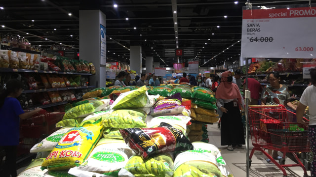 Ramai Berita Corona, Supermarket di Apartemen Pramuka Masih Normal (606201)