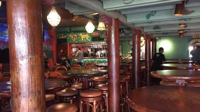 Dinkes DKI Sterilisasi Restoran Amigos, Kemang (63718)