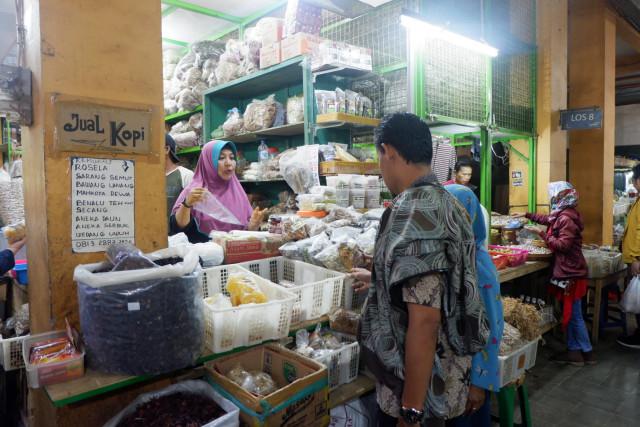 Seorang Pedagang Nangka Muda di Pasar Beringharjo Positif Corona  (567312)