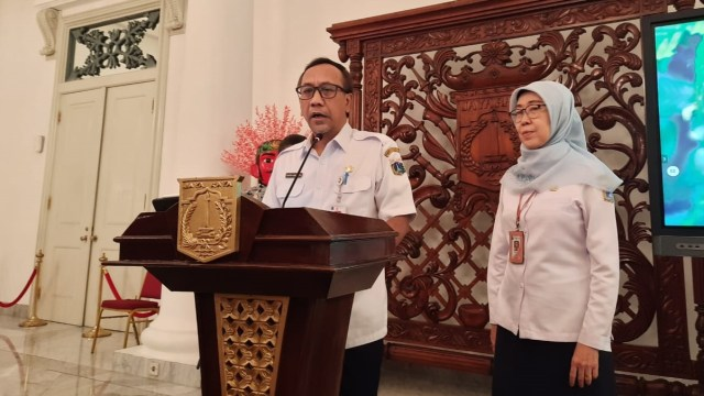Satpol PP DKI Patroli Pastikan Tempat Hiburan di Jakarta Tutup (27925)