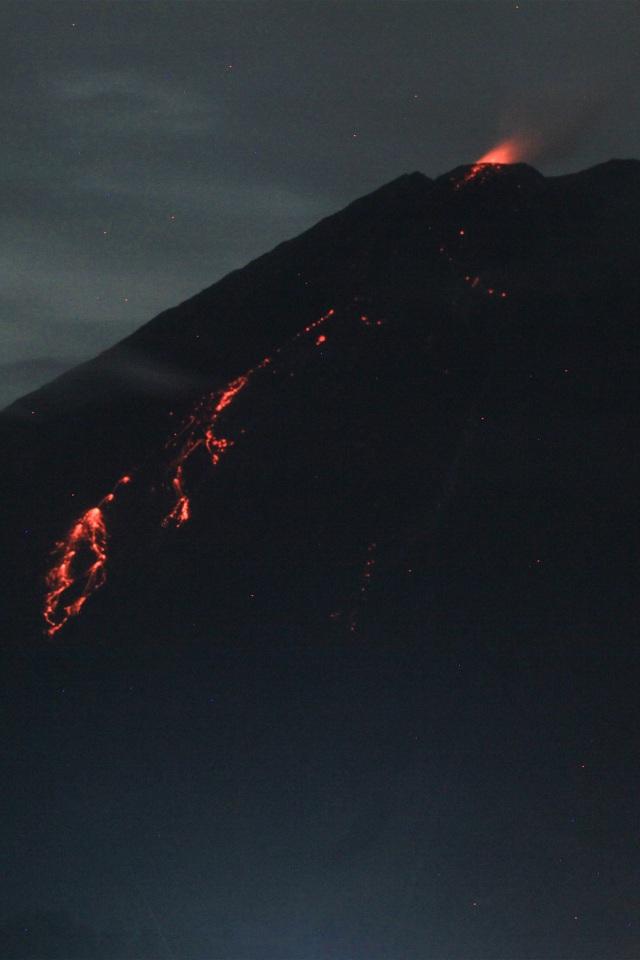 Foto Kondisi Terkini Gunung Semeru Usai Semburkan Awan Panas Kumparan Com